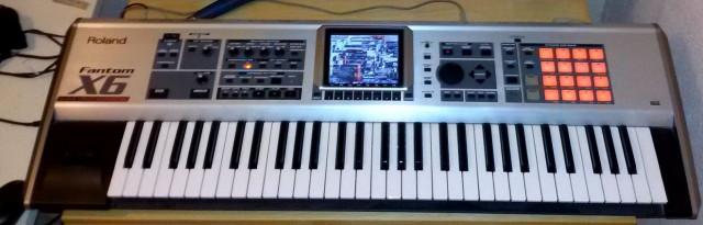Roland Fantom X6 impecable ampliado al máximo en sonidos y memori