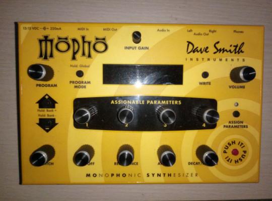 Sintetizador monofónico Dave Smith DSI Mopho Desktop