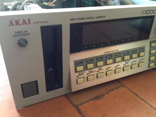 Akai S1000 para reparar