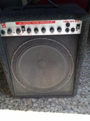 Amplificador y micrófono anticrisis.