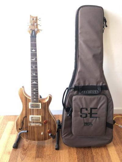 Guitarra PRS SE Custom 22 Semi Hollow
