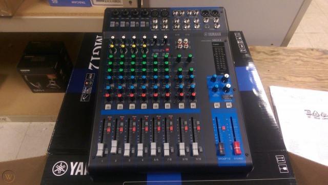 Mixer Yamaha MG12