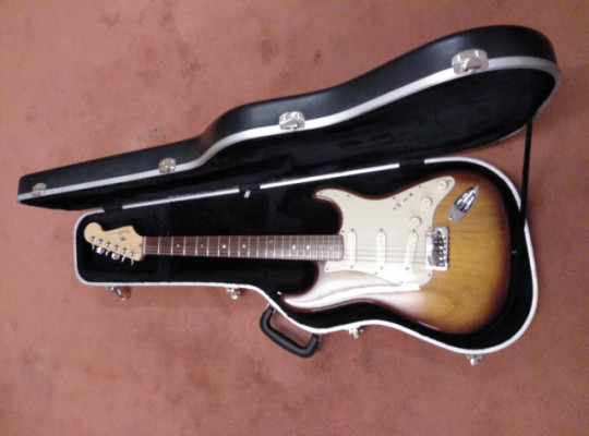 Fender American Deluxe Series Ash Stratocaster 60th Anniversary, Año 2006.