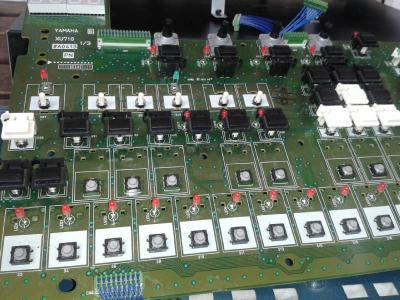 Pulsadores Yamaha RM1X