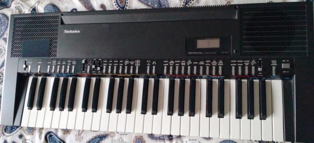 Teclado Technics SX-K200
