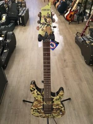 Guitarra eléctrica Schecter C-1 FR CAMU