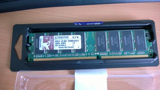 Kingston DDR 1GB - KVR400X64C3A/512 (dos módulos)