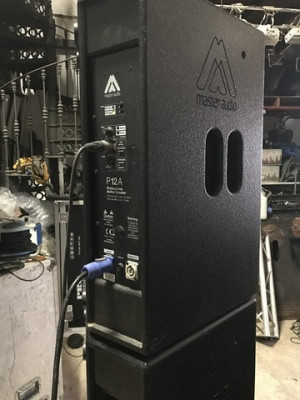 Master Audio P12A  560W Autoamplificados