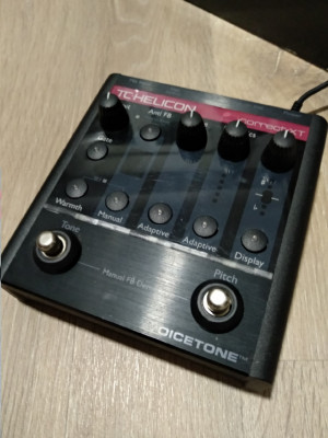 TC Helicon VoiceTone Correct XT Pitch Correction Pedal