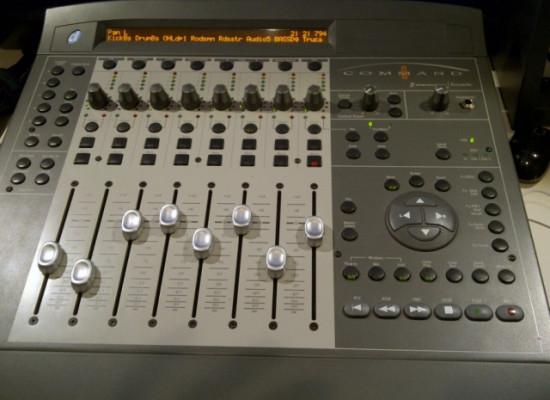 COMMAND 8 Digidesign / Avid / Focusrite Controlador para ProTools