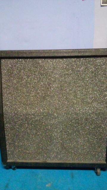 Caja de 4 altavoces Koch TS412
