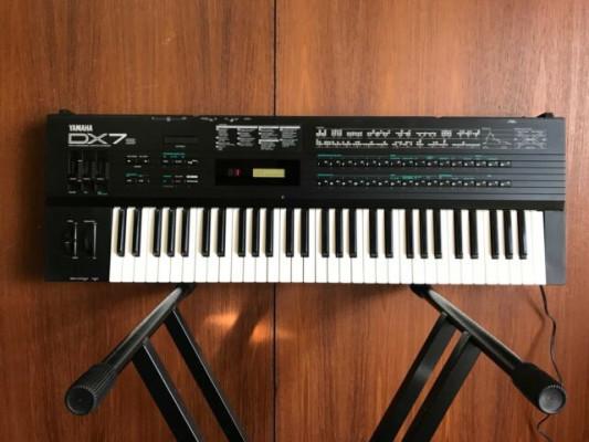 Yamaha DX7S + cartucho ROM