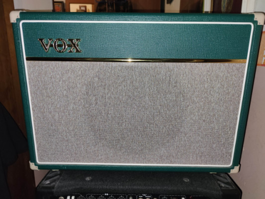 Reservado  Vox AC15C1 15w Guitar Amp, British Racing Green