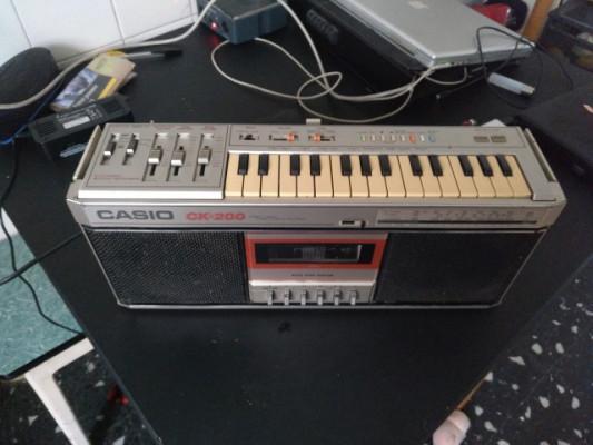 Casio CK-200 Keyboard Boombox