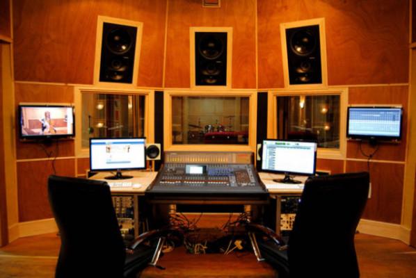 Vendo estudio de Grabación profesional con Casa 4 plantas complet