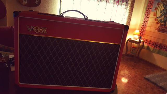 VOX AC15 Red limited edition