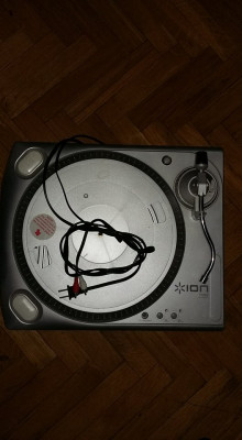 Ion TTUSB Turntable with USB Record