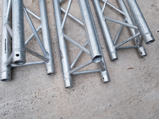 Truss triangular de 29 x 300