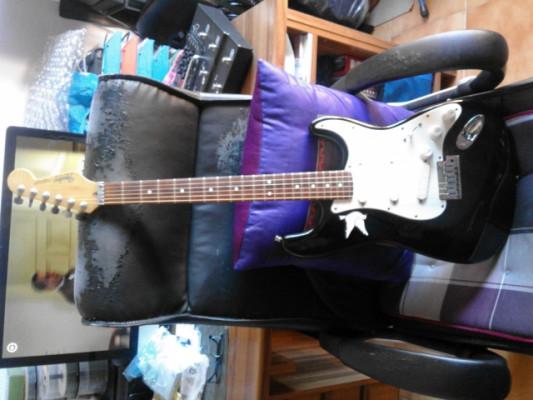 Fender estratocaster EPlus