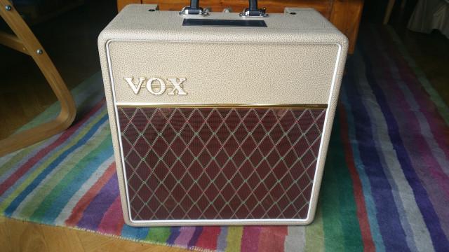 Pack Vox ac4 c112 Tan Bronco L.E + Válvulas Tung-JJ+Altavoz Fane UK+Soporte