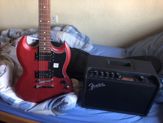 guitarra ephifane+ampli fender +auriculares