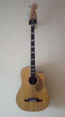 Bajo Acústico Fender Kingman SCE