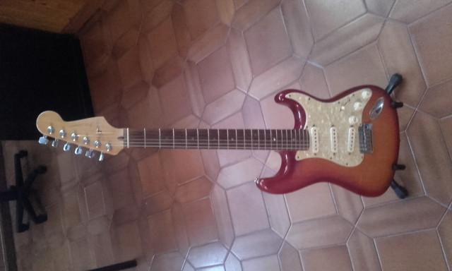Golpeador completo de Fender American deluxe.