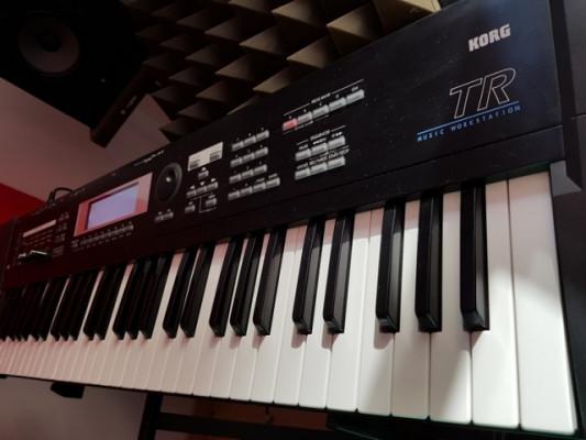 Korg TR-61 Sinte workstation + sampler REBAJADO