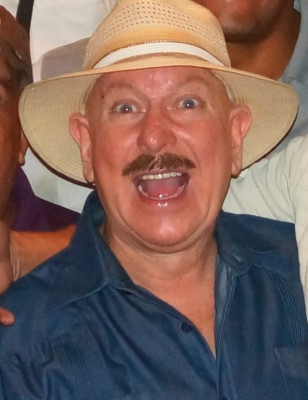 tecladista cantante salsa boleros varios