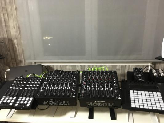 MODEL1 Mixer analógico de 6 canales
