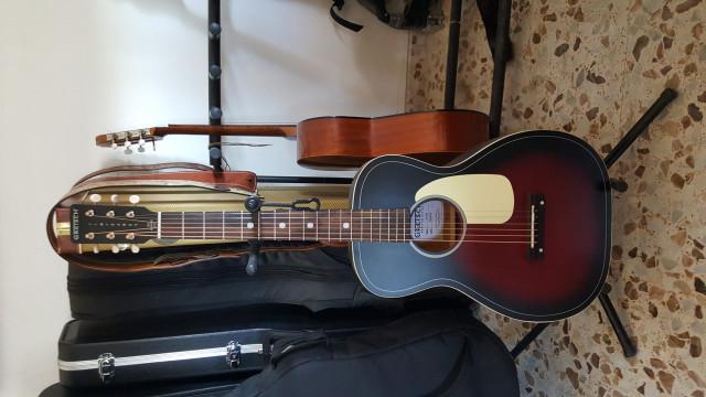 GRETSCH G9500 Jim Dandy Flat Top Vs