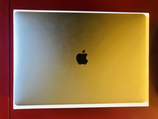 "Apple MacBook Pro Touchbar 15"" gris espacial"