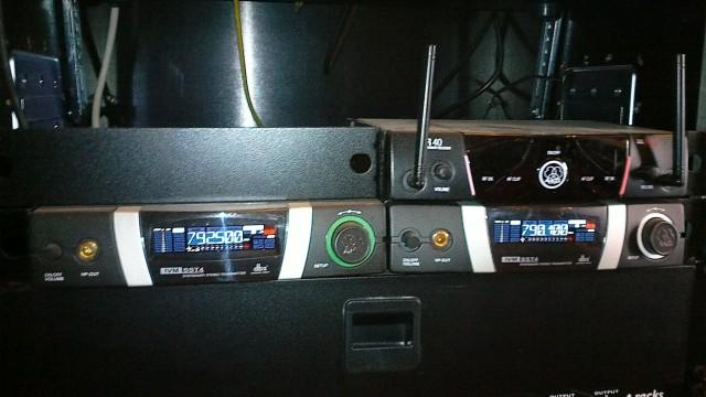 2 Sistemas In Ear AKG Pro