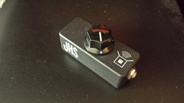 JHS Little Amp Box / Peavey switch / Korg Pitchblack
