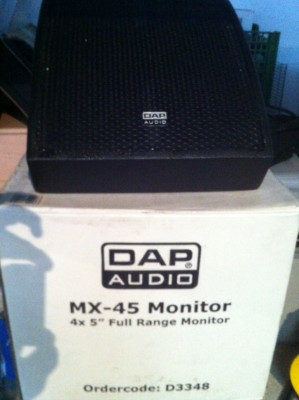 2 monitores pasivos DAP audio MX 45