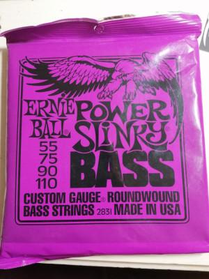 Vendo juego de 4 cuerdas para bajo Ernie Ball Power Slinky 0.55