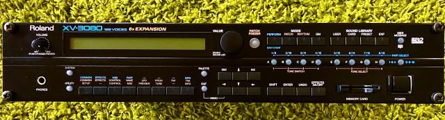 Sinte en rack Roland XV-3080 + 2 tarjetas de expansión
