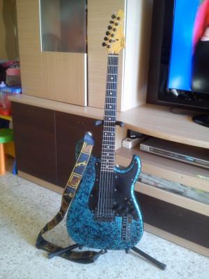Guitarra MIDI CASIO PG 310(Sinte incorporado)
