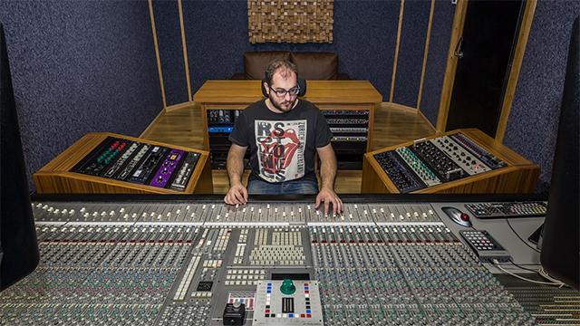 Ofrezco clases de grabación, mezcla, edición y Pro Tools.