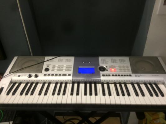 Teclado Yamaha E403