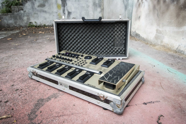 Pedalera Boss Gt6 con flight case