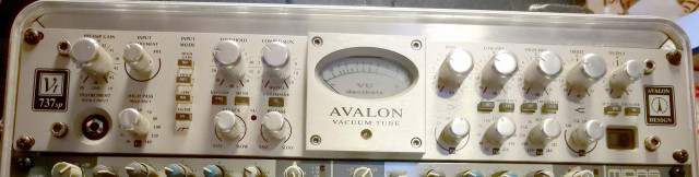 Preamplificador Avalon VT-737SP