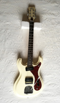 Guitarra eléctrica Aria