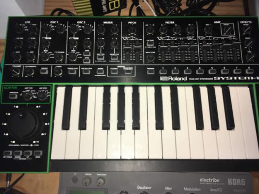 Roland Aira System-1 como nuevo