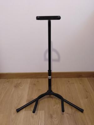 Soporte para guitarra Adam Hall Stands SGS101