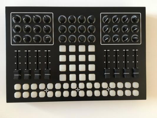 Livid Instruments CNTRL:R Controlador MIDI