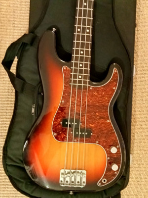 Fender Precision Bass Made in Japan (2004-2005) PB-62