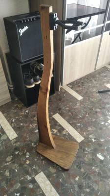 Colgador para guitarras de madera