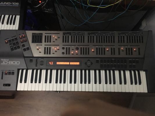 JD 800 Roland