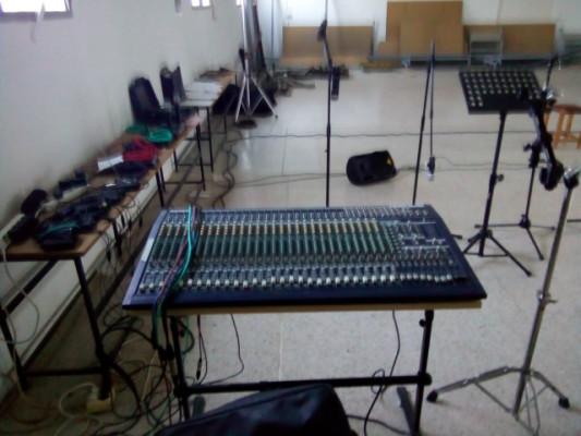 Equipo de sonido Behringer